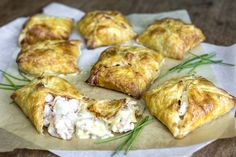 Chicken Bacon, Yum Yum Chicken, How To Cook Chicken, Chicken Recipes, Duck Recipes, Chicken Ideas, Rotisserie Chicken, Butter Puff Pastry, Frozen Puff Pastry
