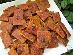 OK, it's for cats and not dogs but it's going on the woof board anyway (dairy, gluten, grain and wheat-free) turkey pumpkin jerky cat treat recipe {kitty cuisine} Tuna Cat Treat Recipe, Dog Treat Recipes, Chef Recipes, Dog Food Recipes, Pumpkin Dog Treats, Homemade Dog Treats, Pet Treats, Thanksgiving Leftover Recipes, Dog Cookies