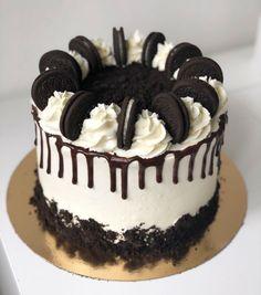 Vanilla Birthday Cake Recipe, Easy Birthday Cake Recipes, Oreo Cake Recipes, Pretty Birthday Cakes, Homemade Birthday Cakes, Peanut Butter Birthday Cake, Homemade Cake Recipes, Cake Designs For Birthday, Cake Decorating Frosting