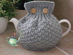 Hand Knitting, Knitting Patterns, How To Order Coffee, Tea Cosies, Tea Cozy, Greeting Cards Handmade, Handmade Silver, Cosy, Free Pattern