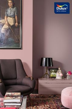 Create a cosy atmosphere with a playful touch for your living room - with the Dulux Comforting Home palette.