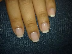 A French manicure has a pure white tip. American manicure has a soft white-ivory tip. Glitter French Manicure, French Pedicure, French Manicure Designs, American Manicure Nails, Manicure And Pedicure, American Tip Nails, Pedicures, French Nail Art, French Tip Nails
