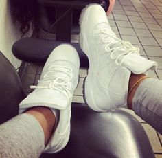 Clean n white pair #air #jordans