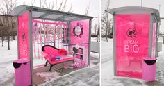 This Barbie guerrilla campaign has a huge effect because of its dimensions and colours typical of Barbie's company. People could experience the real life of a Barbie and be more likely to consider Barbie during purchase decision-making of toys for girls. Barbie Go, Barbie Life, Barbie Dream, Barbie World, Barbie Style, Bus Stop Advertising, Marketing And Advertising, Viral Marketing, Dream Big