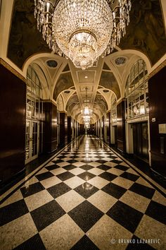 In this article, we will show one Hok hotel project in New York. With a nod to its celebrated history, Lotte New York Palace stakes its claim as the city's most iconic hotel. Astoria New York, Astoria Hotel, Hotel Hallway, Hallway Ceiling, Hallways, Ville New York, York Hotels, Cultura General, Luxury Pools