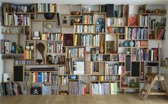 Self-Supporting Bookshelf by Studio Mama — Green Style