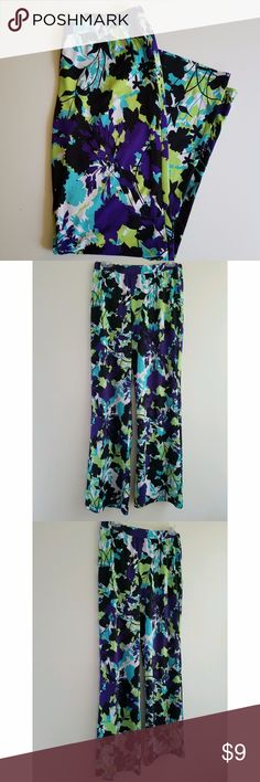 """Women's Multi-color Floral Wide Leg Pants Palazzo style Floral print pants. Elastic waist. Polyester Spandex. Nice for any occasion. Waist 28"""". Length 31"""". Spense Pants Wide Leg"""