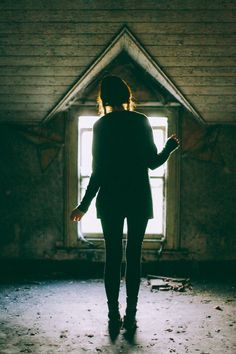 Outfit: Abandoned House in Northern Ireland