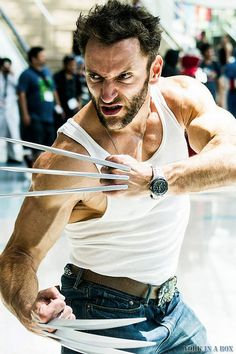 Character: Wolverine (James Howlett, aka Logan) / From: MARVEL Comics 'Wolverine' / Cosplayer: Lon Brown (aka aka Lonstermash) Top Cosplay, Epic Cosplay, Male Cosplay, Cosplay Makeup, Amazing Cosplay, Cool Costumes, Cosplay Costumes, Halloween Costumes, Wolverine Costume