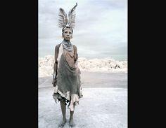 Miembro de una tribu (© Louise Porter)