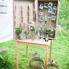 13 idées inspirantes d'objets détournés pour un mariage eco-friendly blog mariage www.unjourmonprinceviendra26.com Deco Table, Ladder Decor, Glass Vase, Eco Friendly, Projects To Try, Wedding Day, Inspiration, Suzy, Prince