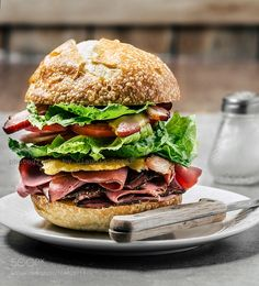 Burger by ctotir2000 #food #yummy #foodie #delicious #photooftheday #amazing #picoftheday