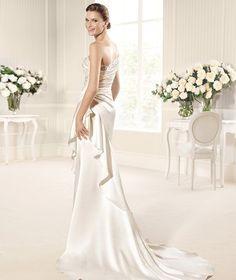 MUNDIAL » Wedding Dresses » 2013 Fashion Collection » La Sposa (back)