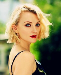"""Evanna Lynch on Instagram: """"Summer 2018 vibes. And then September came and I missed having hair to whip 🤷🏼♀️from a new shoot by the awesome  @fayethomasphoto 📷"""""""