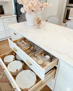 Shabby Bedroom, Gold Kitchen, Shabby Chic Kitchen, Home Repairs, Ginger Jars, Own Home, Hardwood, Home Improvement, Marble