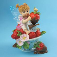 My Little Kitchen Fairies   Girl Fary W/Choc Covered Strawberry