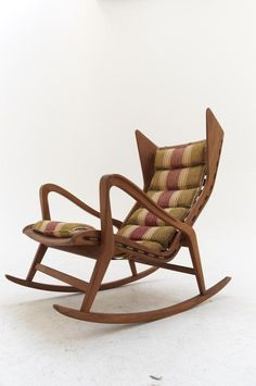Just discover this! Gio Ponti rocking chair - Produced by Cassina