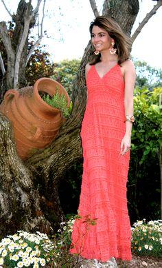 Fashion and Style Blog / Blog de Moda . Post: My coral colored dress / Mi vestido de color coral.See more/ Más fotos en : http://www.ohmylooks.com/?p=14480 by Silvia