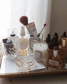 beauty vanity aesthetic flatlay Image about beauty in MAKEUP by Leena on We Heart It My New Room, My Room, Rangement Makeup, Makeup Vanity Decor, Mo S, Shelfie, Makeup Organization, Makeup Collection, Room Inspiration