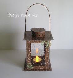 Como sou apaixonada por lanternas e essa é muito fácil de ser feita, não poderia ver e não trazer para vocês. A Betty e a Lena Katrine s... Intramuros, Diy Crafts Hacks, Assemblage Art, Lanterns, Candle Holders, Projects To Try, Christmas Decorations, Paper Crafts, Handmade