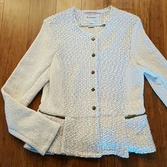 Anthropologie Cartonnier textured jacket EUC Cartonnier textured jacket with slightly flared or peplum hem. Color is off-white, maybe a light cream. Snap button closures, two side zip pockets. Size large. 70% cotton, 30% polyester. Measures approximately 17.5 inches armpit to armpit, 24.5 inches shoulder to hem, 26 inches top to bottom of sleeve. No trades or PayPal. Reasonable offers welcome. Anthropologie Jackets & Coats