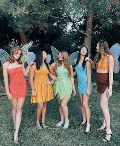 Halloween Costumes For Teens Girls, Best Group Halloween Costumes, Cute Costumes, Group Costumes For 4, Fairy Costumes, Costume Ideas For Friends, 5 Person Halloween Costume, Costume Ideas For Groups, Disney Group Costumes