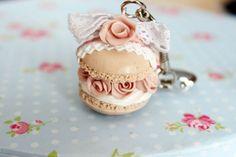 Macaron con rosas