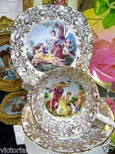 ** Šálek na čaj trio - zlacený porcelán s malovaným obrázkem **