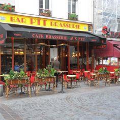 The colors of #ruecler Paris #iloveparis #doitinparis #goexplore #blogger #europeanvacation #parisgram #parisfood #paris #parisjetaime #paris_focus_on #parisweloveyou #parismaville #pariscartepostale #travelblogger #travelphotos #foodporn #restaurant #citystreets #loves_paris #loves_france_ #francetourisme