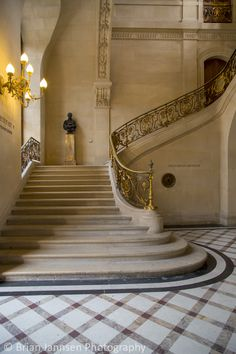 Staircase, Musee du Lovre, Paris, France. © Brian Jannsen Photography