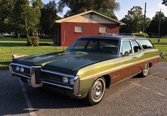 American Classic Cars, Old Classic Cars, American Pride, Ford Taurus Sho, Jeep Cherokee Sport, Pontiac Catalina, 2015 Jeep Wrangler, Woody Wagon, Pontiac Cars