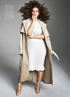 Ashley Graham turns up the glam factor for Harpers Bazaar Australia April 2019 Ashley Graham turns up the glam factor for Harpers Bazaar Australia April 2019 Big Girl Fashion, Curvy Fashion, Plus Size Fashion, Curvy Outfits, Plus Size Outfits, Plus Size Photography, Film Photography, Photography Ideas, Ashley Graham Style