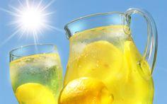 Nada+mejor+que+una+helada+y+refrescante+limonada+en+un+día+caluroso.jpg (1600×1000)