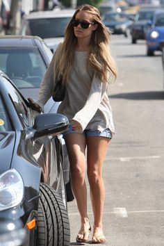 Great summertime lazy look without wearing sweats or showing off too much skin.