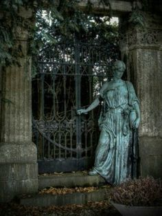 Lovely statue and gate in Unterbarmer Cemetery Wuppertal, Germany, called Gate to Eternity (not verified) Cemetery Angels, Cemetery Statues, Cemetery Art, Cemetery Monuments, Statue Ange, Old Cemeteries, Graveyards, Belle Photo, Ivy House