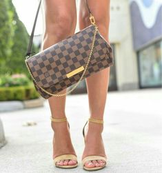 Fashion Designers Louis Vuitton Outlet, Let The Fashion Dream With LV Handbags At A Discount! New Ideas For This Summer Inspire You, Time To Shop For Gifts, Louis Vuitton Bag Is Always The Best Choice, Get The Style You Love From Here. New Handbags, Luxury Handbags, Fashion Handbags, Fashion Bags, Designer Handbags, Cheap Handbags, Cheap Purses, Tote Handbags, Popular Handbags