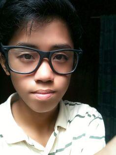??? Glasses, My Style, Fashion, Eyewear, Moda, Eyeglasses, Fashion Styles, Fasion, Eye Glasses