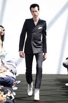 Balenciaga | Menswear - Spring 2017 | Look 26