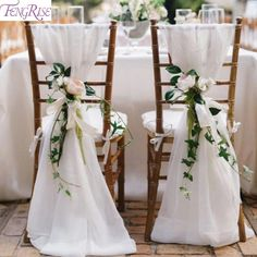 Create a gorgeous wedding decor throughout your venue with organza ribbon. The soft and elegant look of organza makes for an excellent and elegant fabric choice to decorate your ceremony arch, chairs, and backdrops.