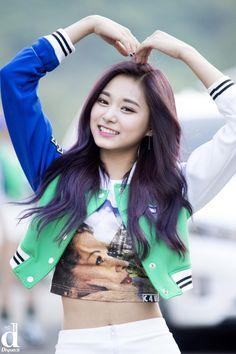 Twice - Tzuyu : Cheer up K Pop, Kpop Girl Groups, Korean Girl Groups, Kpop Girls, Nayeon, Girls In Love, Cute Girls, Tzuyu Body, Twice Tzuyu