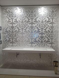 Bisazza glass mosaic tile installation by jimmy reed rock - Bisazza fliesen ...