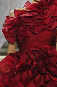 Red and Ruffled, Giambattista Valli Red Fashion, Fashion Details, Burgundy Fashion, Couture Details, Glamorous Chic Life, Red Gowns, Red Aesthetic, Giambattista Valli, Shades Of Red