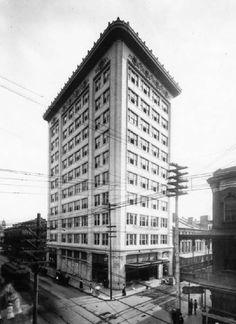 Van Antwerp Building, completed in 1907.