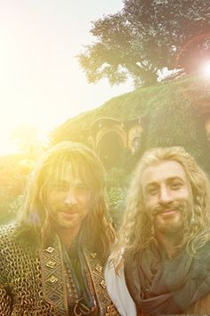 I know it's a manip but since we won't get any new Hobbit material this makes me so happy.