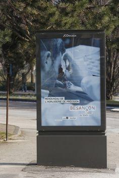"""L'Air(e) du Temps"" s'expose. Public, Air, Flat Screen, Clock Art, Rural Area, Blood Plasma, Flatscreen, Dish Display"