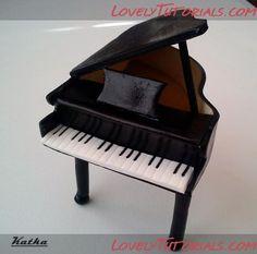 How to make piano cake topper