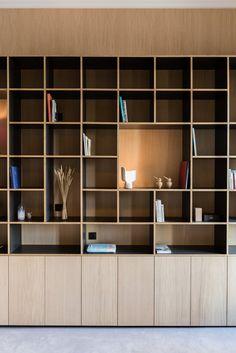 New wood architecture interior bookshelves ideas Cool Bookshelves, Bookshelf Design, Bookcase Shelves, Glass Shelves, Bookshelf Ideas, Built In Furniture, Furniture Design, Furniture Projects, Furniture Makeover