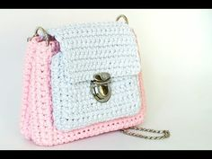 Crochet Beautiful Handbag With A Patch Pocket - ilove-crochet