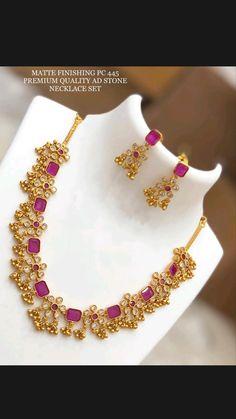 Pearl Necklace Designs, Jewelry Design Earrings, Gold Earrings Designs, Beaded Jewelry, Necklace Set, Jewlery, Gold Necklace, Gold Bangles Design, Gold Jewellery Design