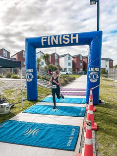 Crossing the finish line for completing my run ! A complete challenge but I'm so glad I did it 🏃🏼‍♀️ It's amazing what you can achieve when you put your mind to it 💪🏽 10km Run, Young Family, Finish Line, It Is Finished, Challenges, Journey, Mindfulness, Amazing, Fitness